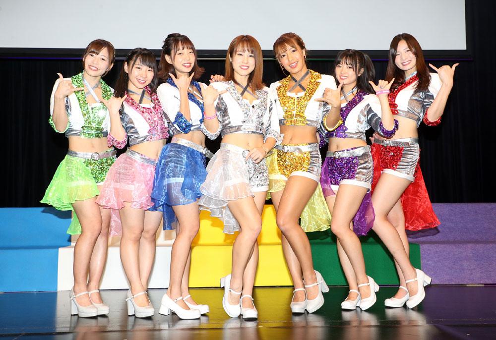 アイドルユニット「sherbet」初の12都市ツアー「OVER DRIVE」、東京で開幕! 無観客ライブに悔しさも滲ませながらも「今できる精一杯のパワフルなステージをお届けします」