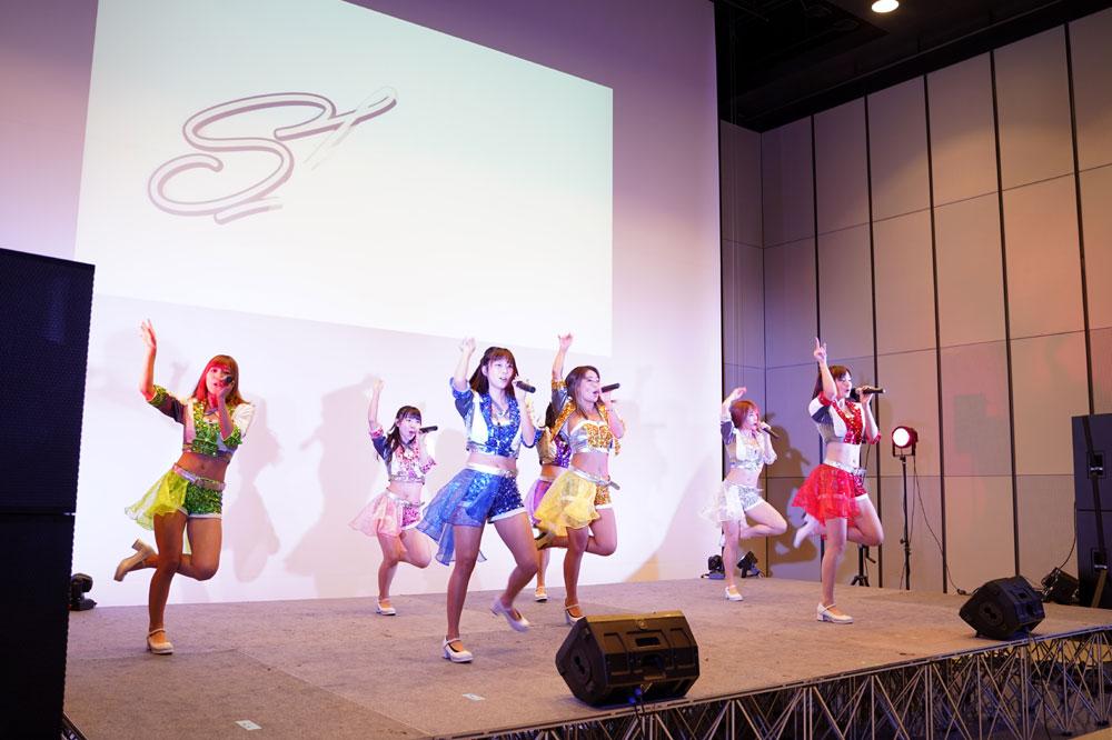 グラドルユニット「sherbet」、3月以来5カ月ぶりのリアルライブを開催! 新曲「PANYA」を初披露し、集まったファンを大いに盛り上げた!!