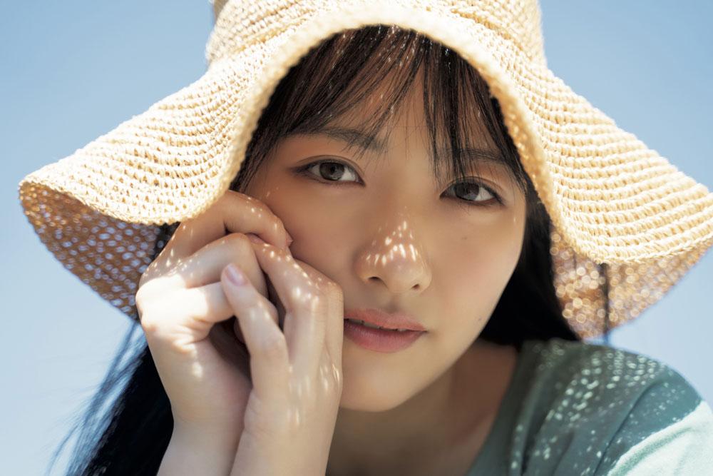 STU48「石田千穂」、グループ初のソロ写真集発売決定! キュートでフレッシュな水着姿も必見!