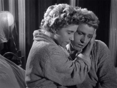 映画『恐るべき子供たち 4Kレストア版』。メルヴィル+コクトー+ドカエの出会い。即興性を重視した名作フランス映画が4Kレストアで蘇る!